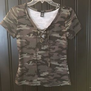 Rue 21 short sleeve camo top. Front tie. Fitted. M